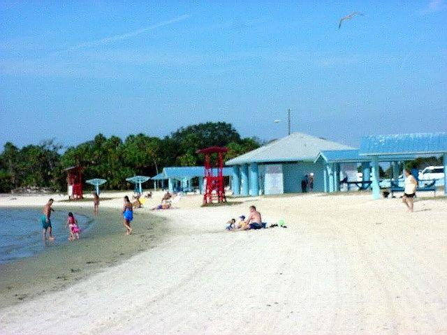 Img 1 Jpg 640 480 Beach Island Beach Island