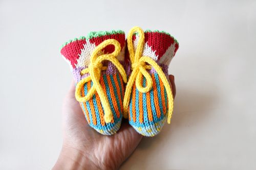 Oh my. Too sweet. ALL baby booties