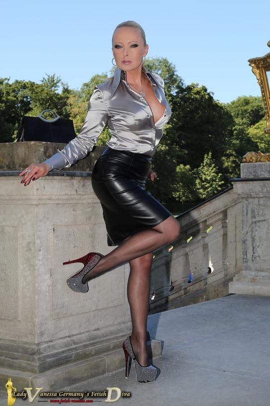 Lady Vanessa  Im Bann von Germanys Fetish Diva German