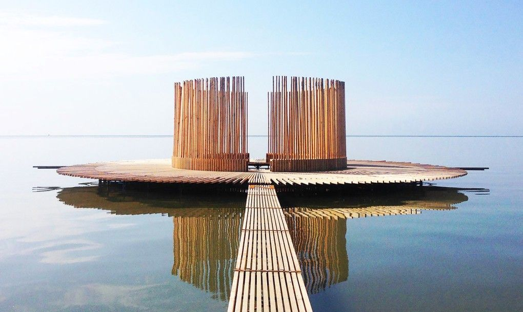 Floating observatory on the Dutch flat sands changes shape with the tides