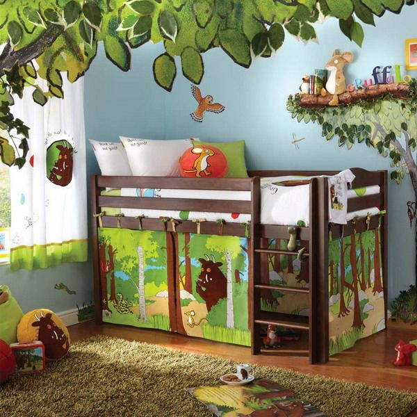 Jungle Kids Bedroom Theme With Soft Rugs, Wood High Bedding And Animal Wall  Decor Awesome