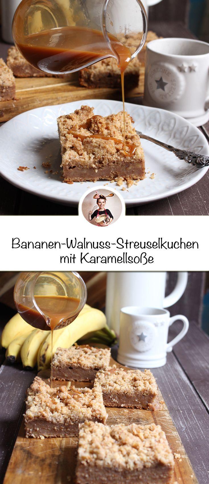 Bananen Rezepte, Streuselkuchen Rezepte, Karamell Rezepte. Dieser Bananen-Walnuss-Streuselkuchen mit Karamellsoße. Während Joghurt und Bananen einen saftigen Teig garantieren und Walnüssen den perfekten crunchy knusper der Streusel gibt, sorgt ein großzügiger Schlag Créme double für perfekt Dessertsoßenkonsistenz beim Karamell. #bananen #streuselkuchen #schokolade #rezepte #bananadessertrecipes
