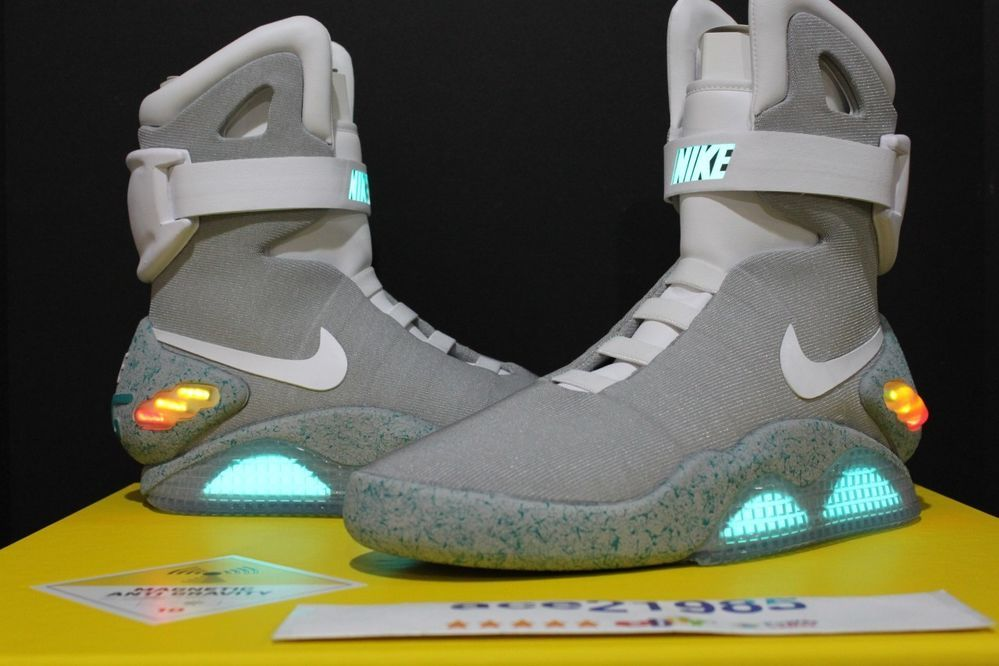 Marty Mcfly S Back To The Future Nike Air Mag Nike Mag Nike