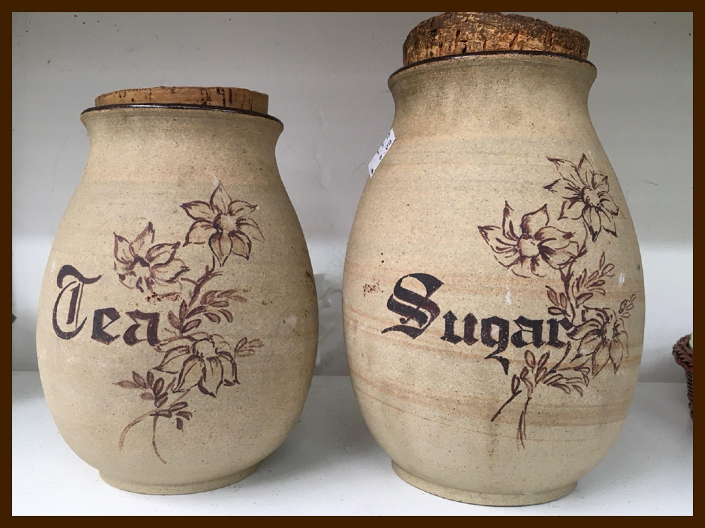 Bulls hill tea and sugar jars pottery tea