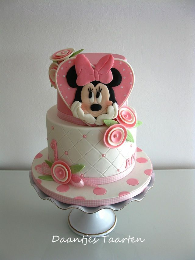 Pretty Minnie Mouse First Birthday Cake Minnie mouse Birthday