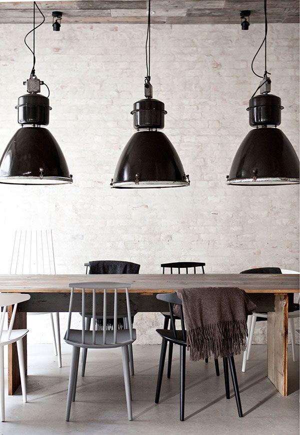Jadalnia Czarne Industrialne Lampy Prosty Drewniany