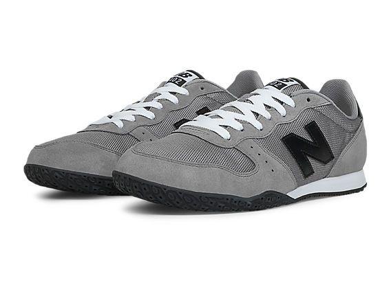 vacío comerciante amor  New Balance 402, Grey with Black | Sneakers fashion, Fashion shoes, New  balance