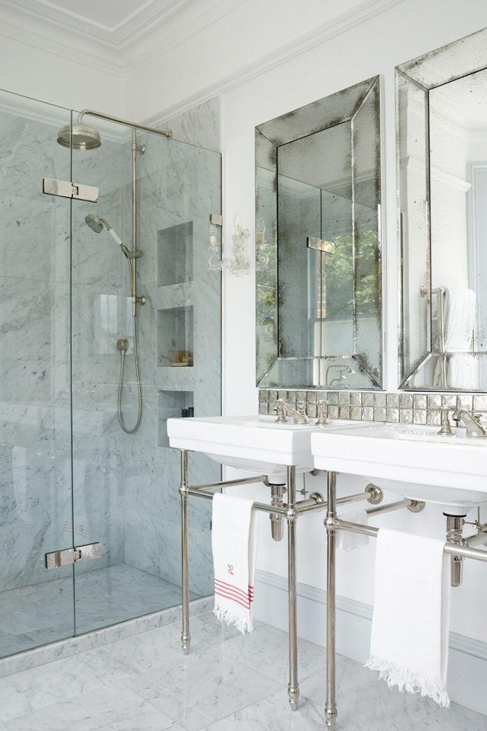 Ein Kompaktes Badezimmer Für Zwei, Kleine Räume Geschickt Einrichten, Eine  Duschkabine