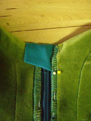 http://my-zickzack.blogspot.com.es/2012/06/anleitung-fur-einen-rv-kinnschutz.html
