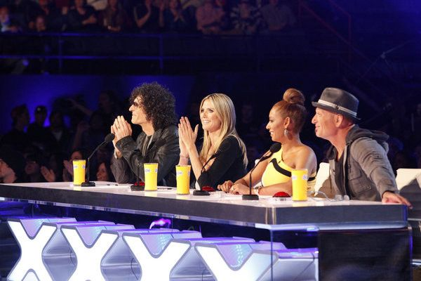 Welcome to America's Got Talent Season 8 Live Elimination Show! Who among our Top 12 finalists will be eliminated and who do you think will move on to the next[...]