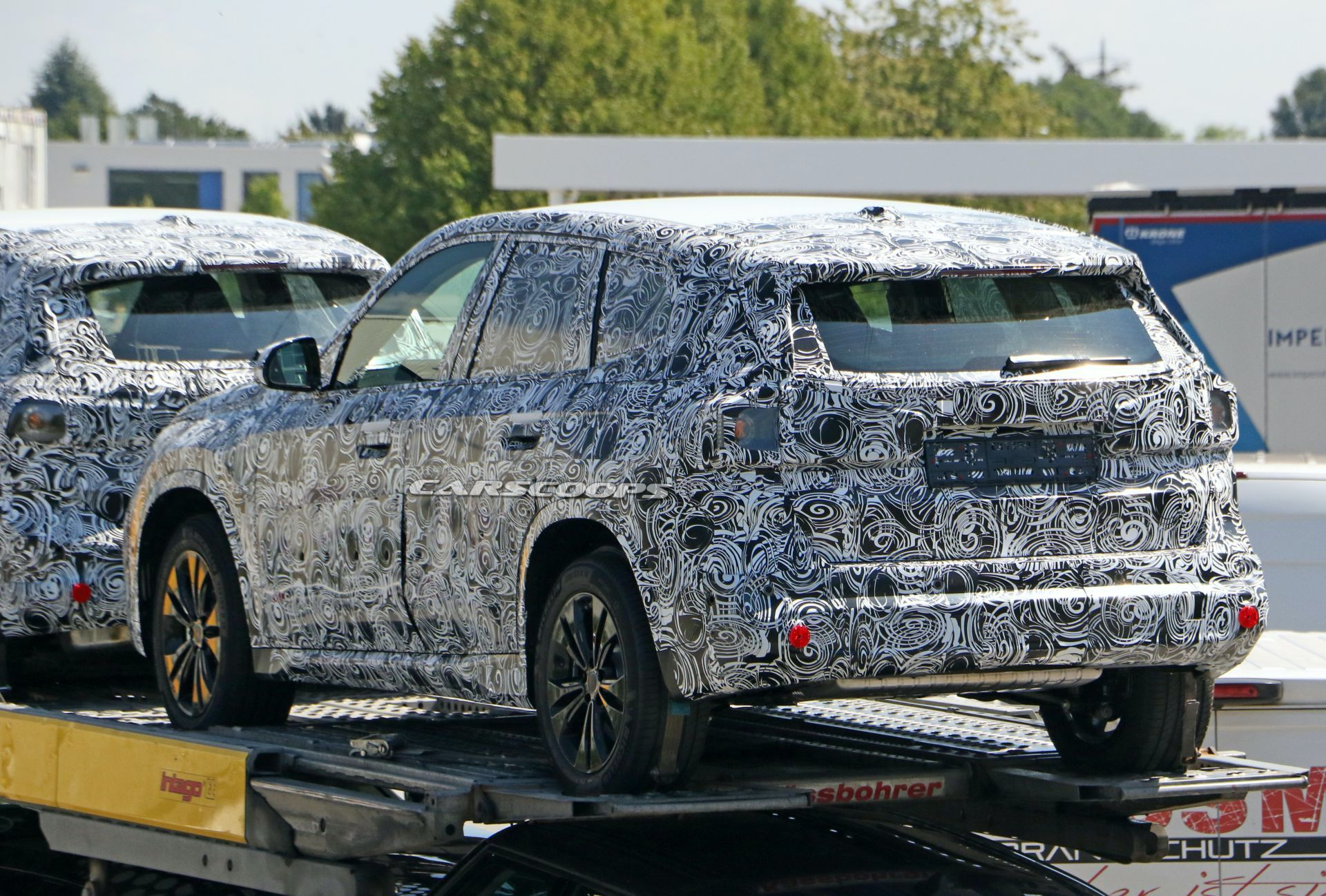 Next Gen 2023 Bmw X1 Spotted Again Appears Ready To Start Road Tests Bmwfiend Com In 2020 Road Test Bmw Spotted
