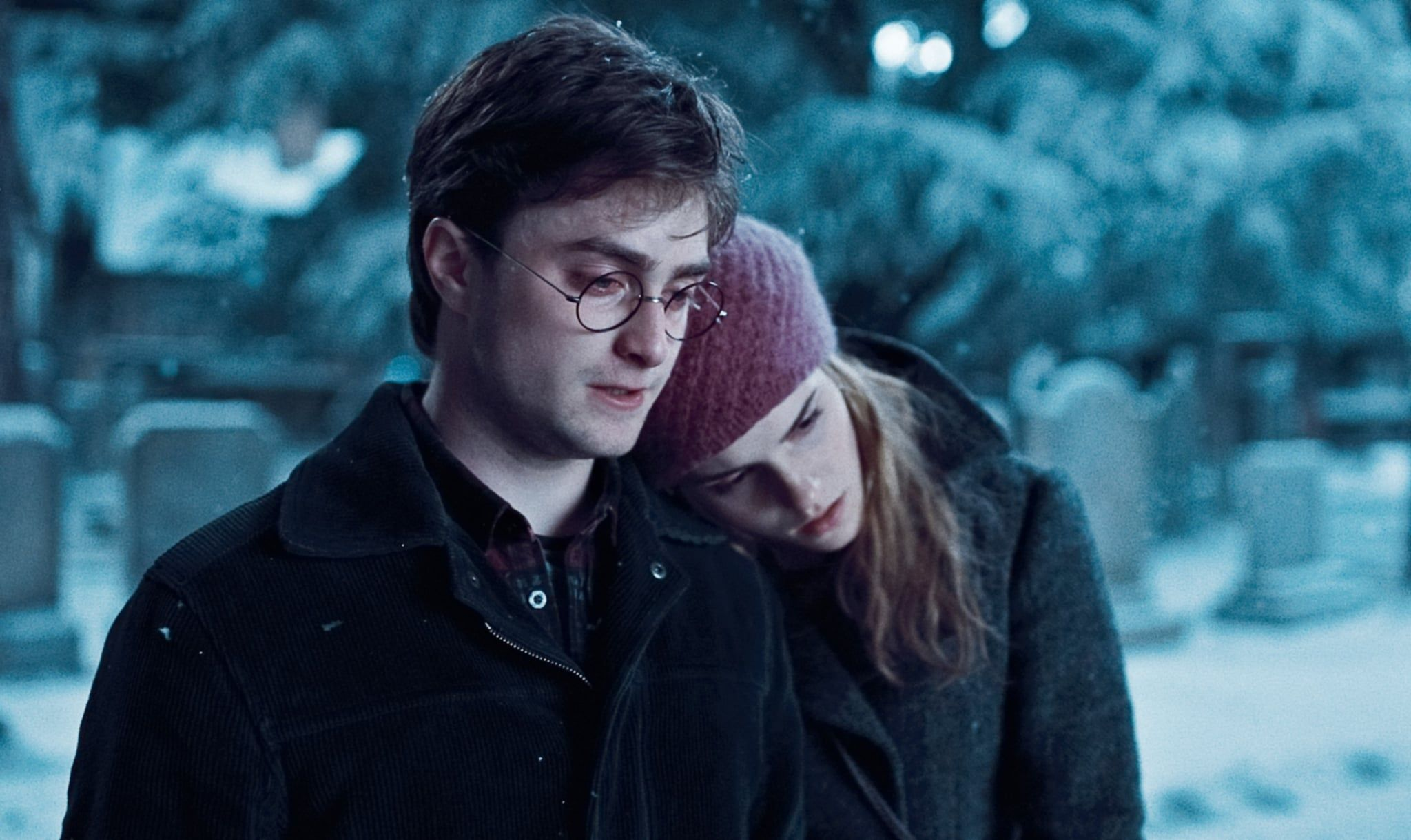 When Hermione Put Her Head On Harry S Shoulder In Godric S Hollow Harry And Hermione Harry Potter Film Harmony Harry Potter