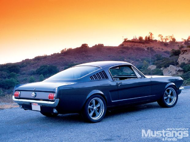 View Mdmp 1006 06 O 1965 Ford Mustang Fastback Back View Photo 33148167 From 1965 Ford Mustang Gt Fastback Mustang Ford Mustang Fastback Ford Mustang