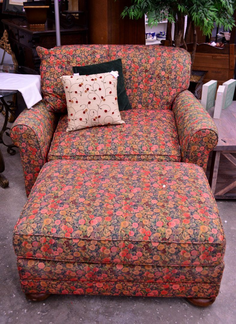 Excellent Floral Chair Ottoman Home Decor And Consignment Chair Spiritservingveterans Wood Chair Design Ideas Spiritservingveteransorg