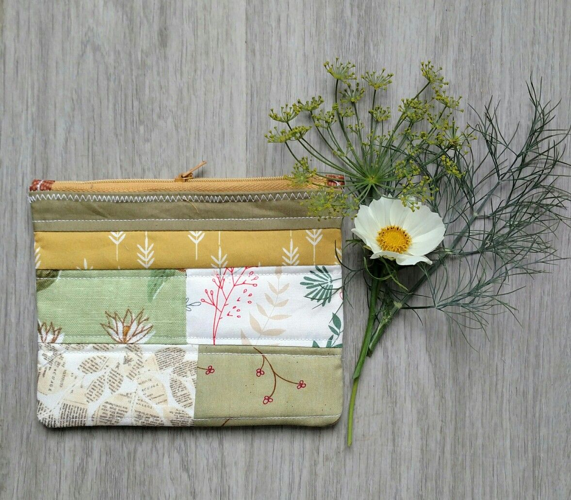 New, garden inspired dill and cosmos scrappy zipper pouch by La Rue de Fleurs. A pretty gift or great addition to your purse, with endless uses. Laruedefleurs.etsy.com