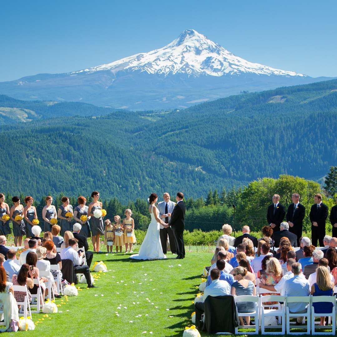 Mt Hood Destination Wedding Dyi Wedding At Gorge Crest Vineyards