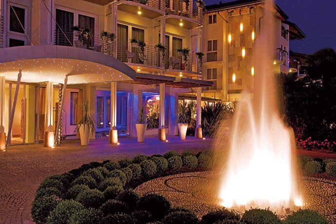 Color Hotel Style And Design Bardolino Lake Garda Gardalake Com Lake Garda Hotel Style Hotel