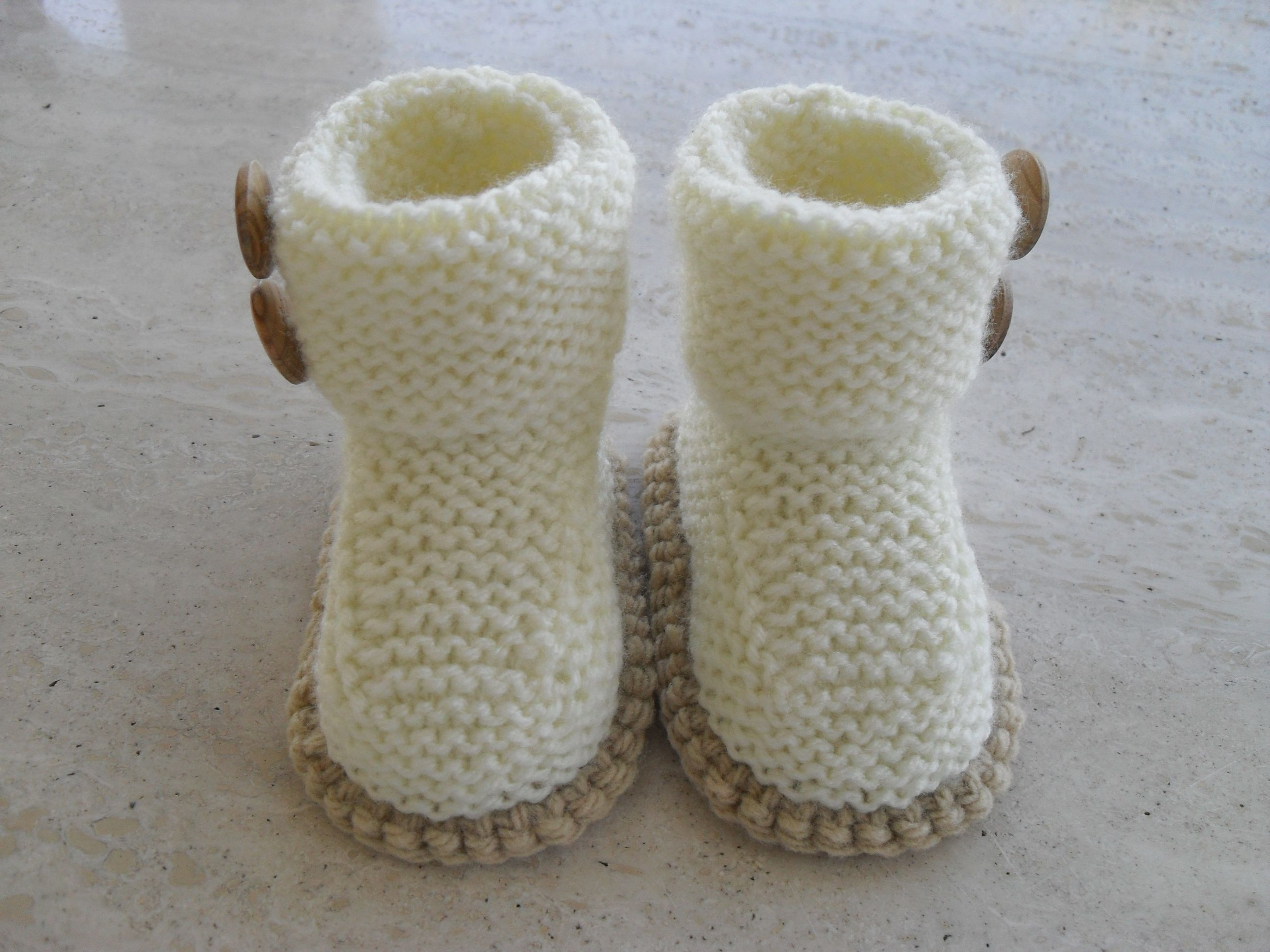 Knitted Baby Booties Many colours 12 00 Euros Ready to go Plus