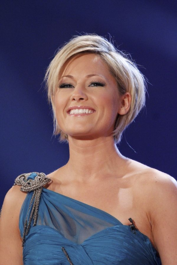 helene fischer short hair bobs pinterest blonde pixie hair bobs and short cuts. Black Bedroom Furniture Sets. Home Design Ideas