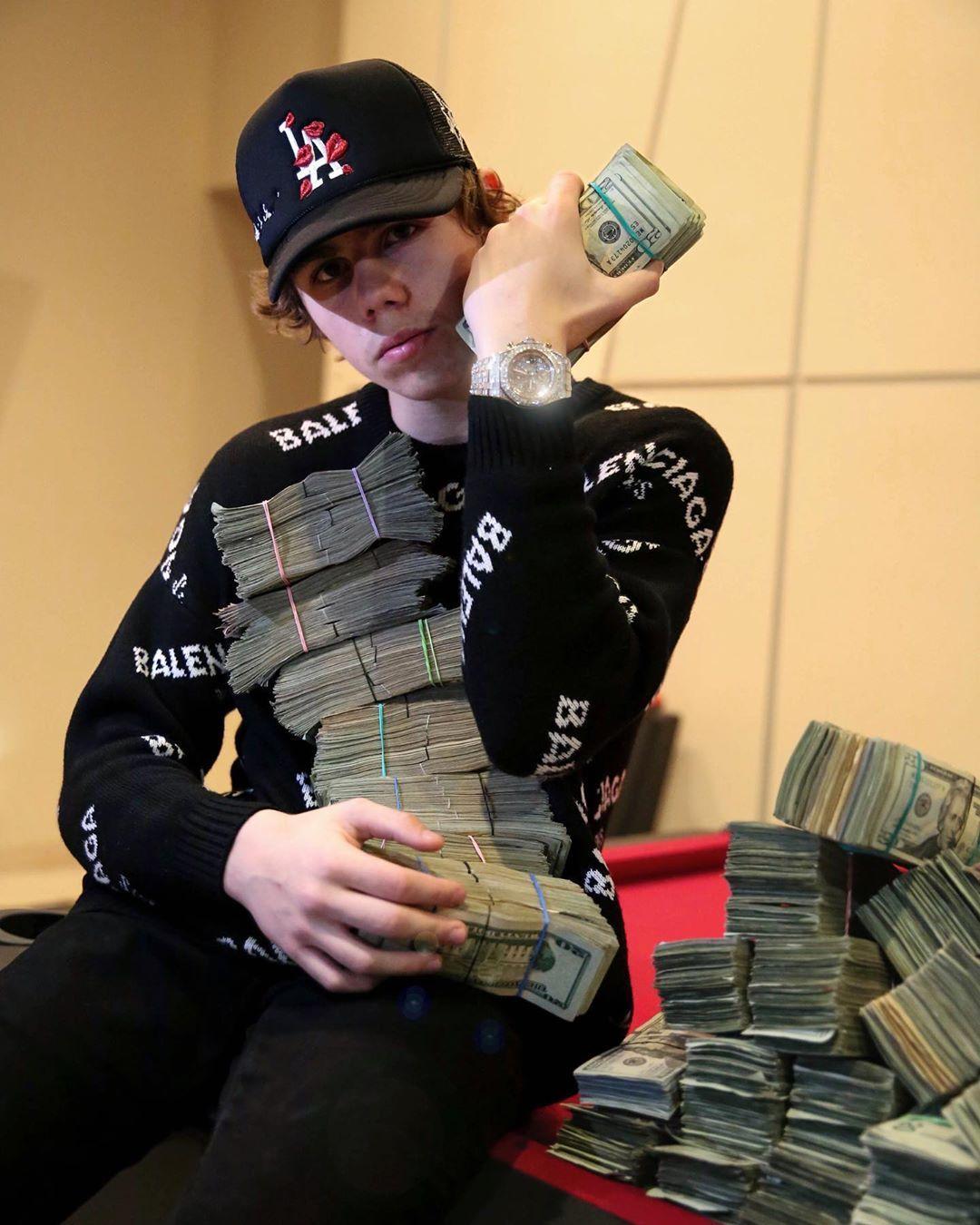 Thekidlaroi instagram bro told me always put money over