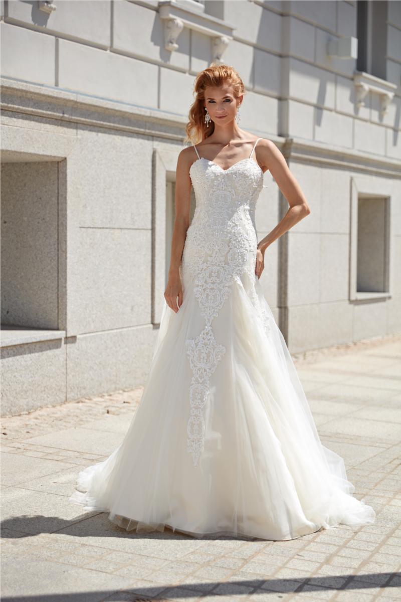 Pin von Weddingdeluxe auf Brautkleider  Annais bridal, Brautkleid
