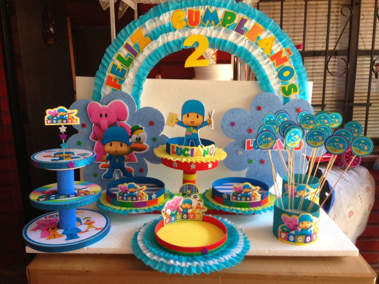 Pin by zainb on party 39 s pinterest pocoyo and birthdays for Decoracion infantil vintage