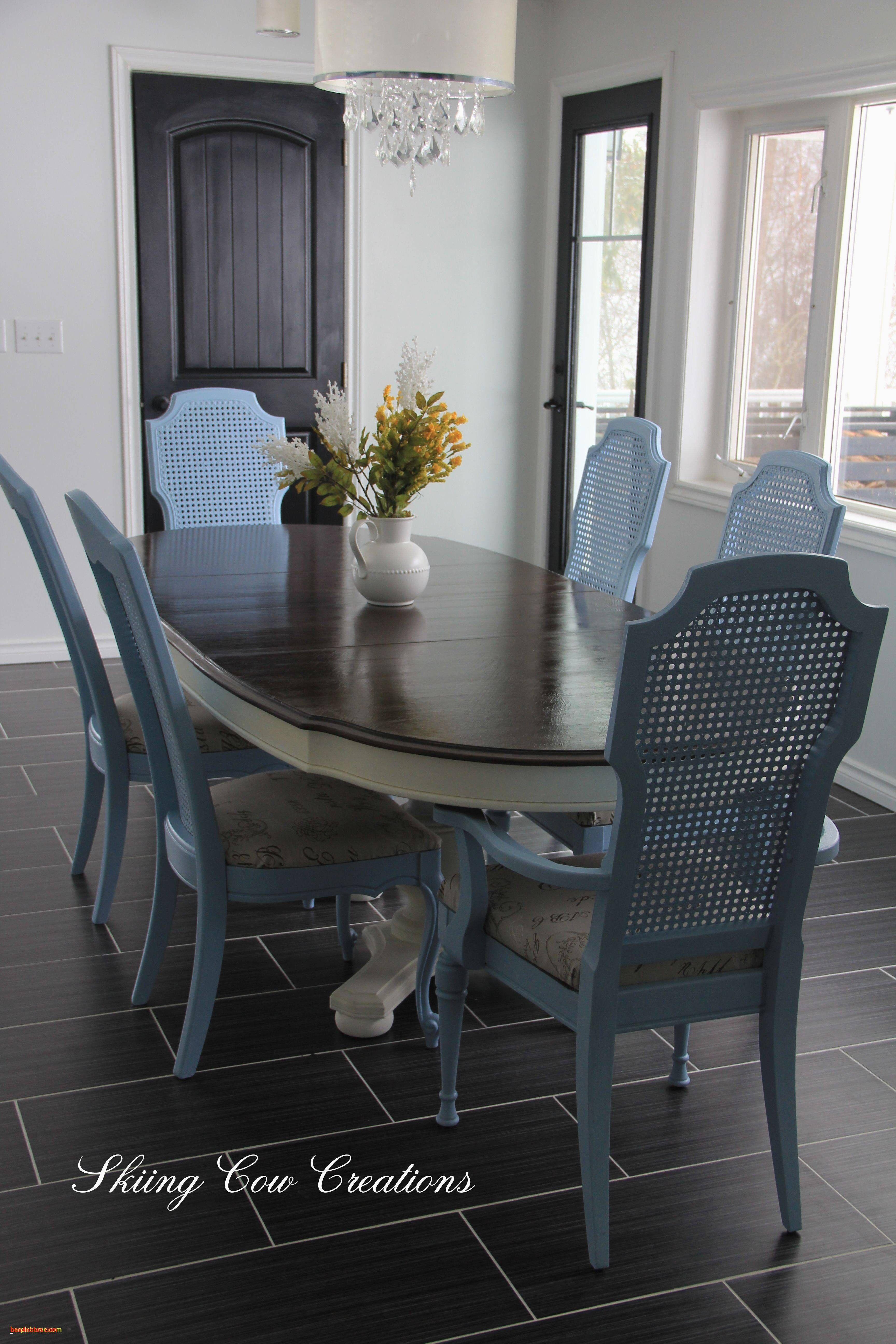Beautiful Living Room And Dining Room To Her Design Desain Ruang Makan Ruang Keluarga Mewah Ide Ruang Makan Kecil Elegant living room chairs