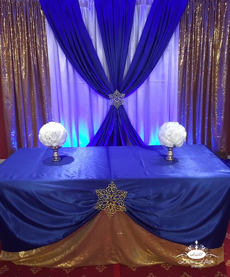 Beautiful Decor In Blue And Gold For An Elegant Event