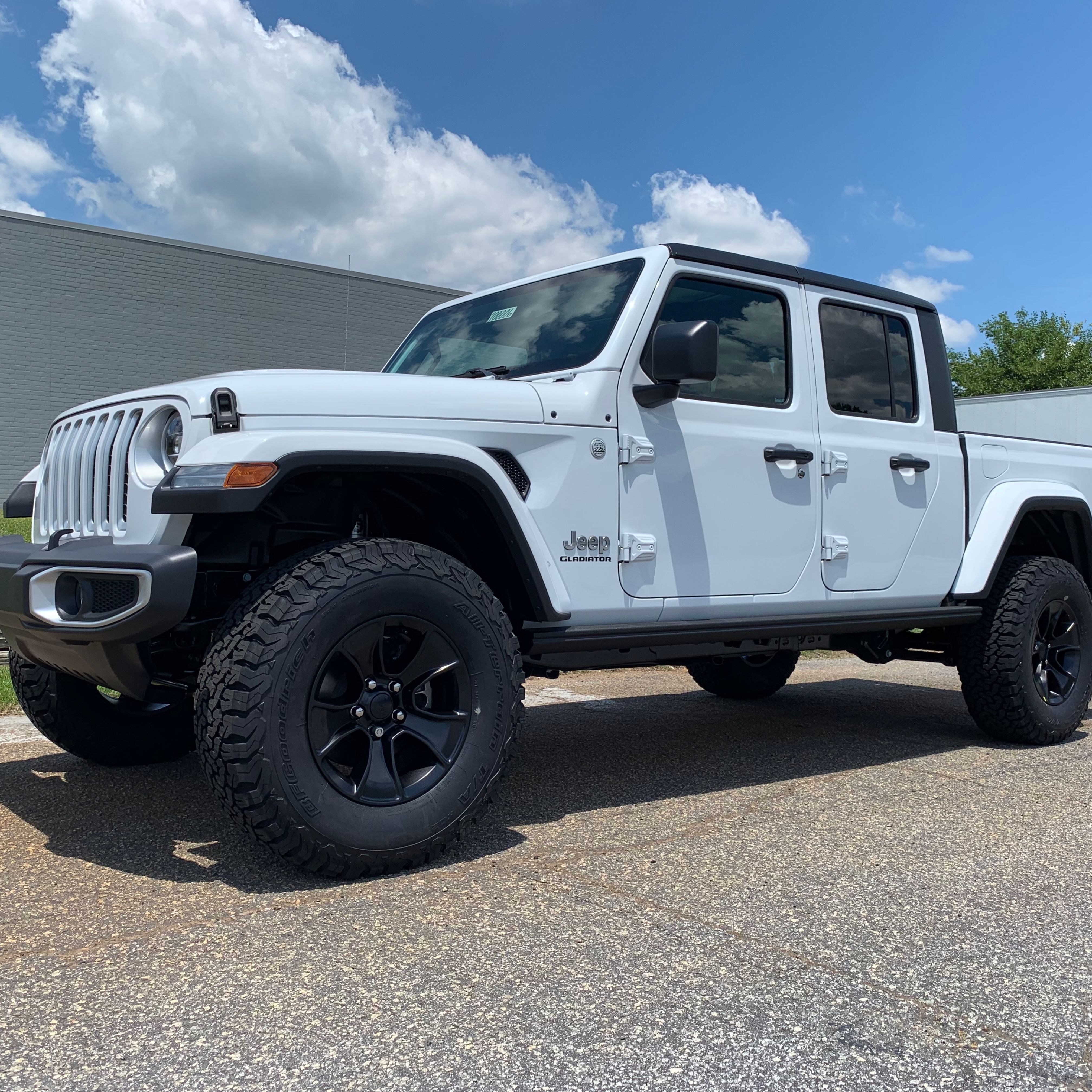 2020 Jeep Gladiator With 2 Mopar Lift Kit And 34 Bfgoodrich Ko2