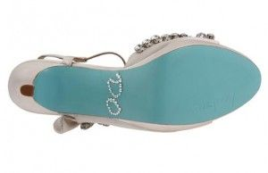 Blue Sole Wedding Shoes | ... Doesnu0027t Have The Blue Upper,