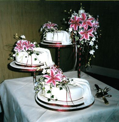 spiral cake stand Google Search WEDDINGS Pinterest Cake