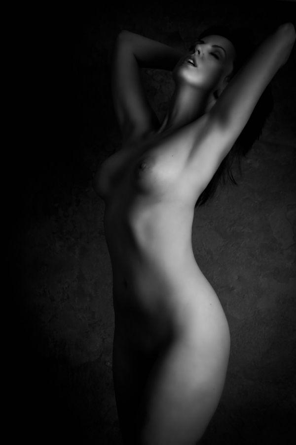 Artsy nude womeen