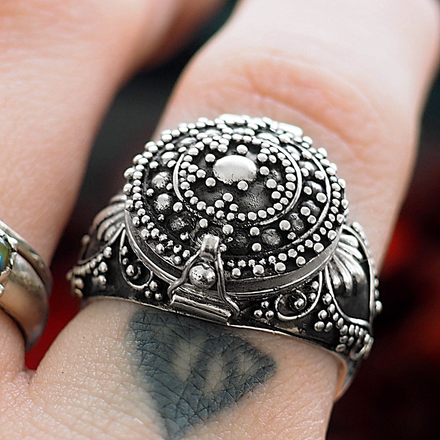 Faded Fortune Poison Box Ring