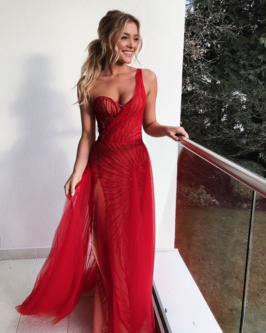 Pin By Hailey Colleen On Recreate Pics Dresses Prom Dresses Fashion