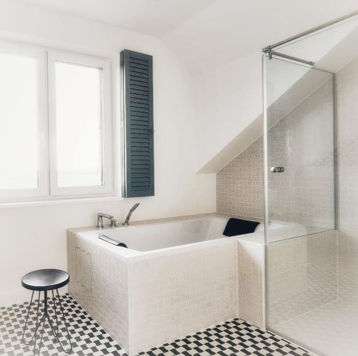 Duża łazienka To Wspaniała Rzeczmieści Wannę Przestronną