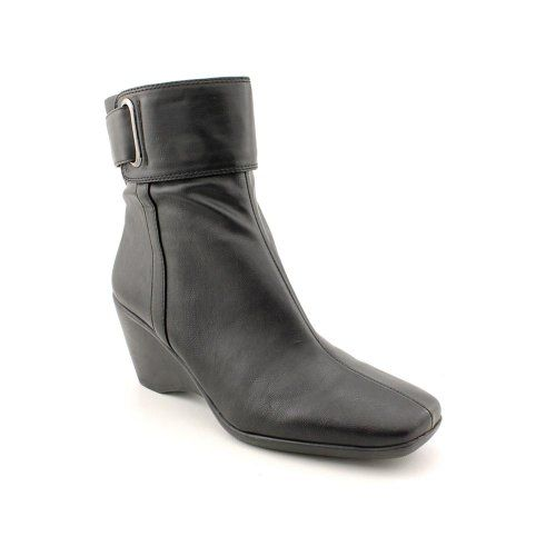 Cool Bandolino Women's Mowgli Wedge Bootie