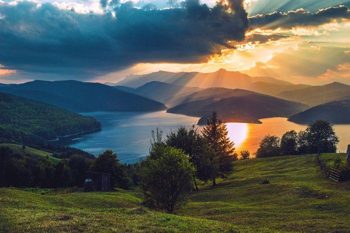 Fotografia utilizatorului Alexandru Serban Paraschiv din categoria Fotografia de peisaj a fost realizata cu Nikon D3100