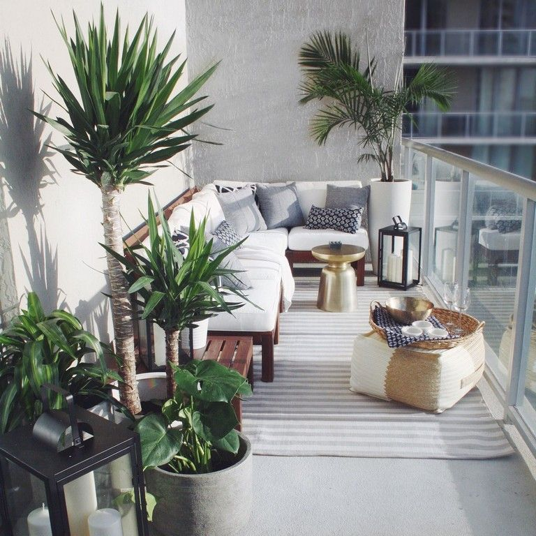 35 Stunning Apartment Balcony Decorating Ideas On A Budget #apartmentbalconygarden