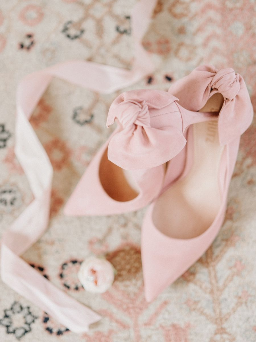 591cf862ec1 Romantic Blush Spring Inspired Wedding Ideas via TheELD.com