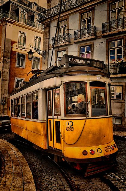 Lisbon A beautiful and confortable flat in Alfama, one of ...