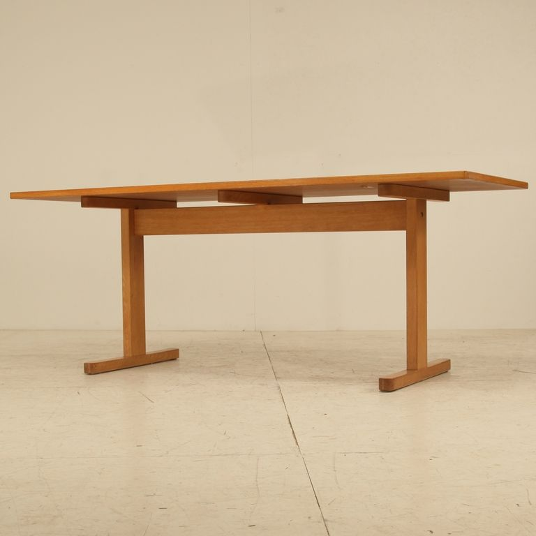 Borge Mogensen Shaker Table In Oak From A Unique Collection Of Antique And Modern Dining Room Tables At Https Www 1stdibs Com Furniture Table 나무 테이블 가구 테이블