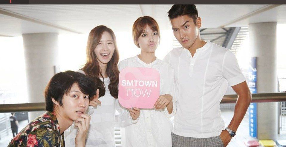 Behind the Scenes Photos Released from SMTOWN Live World Tour IV | Koogle TV