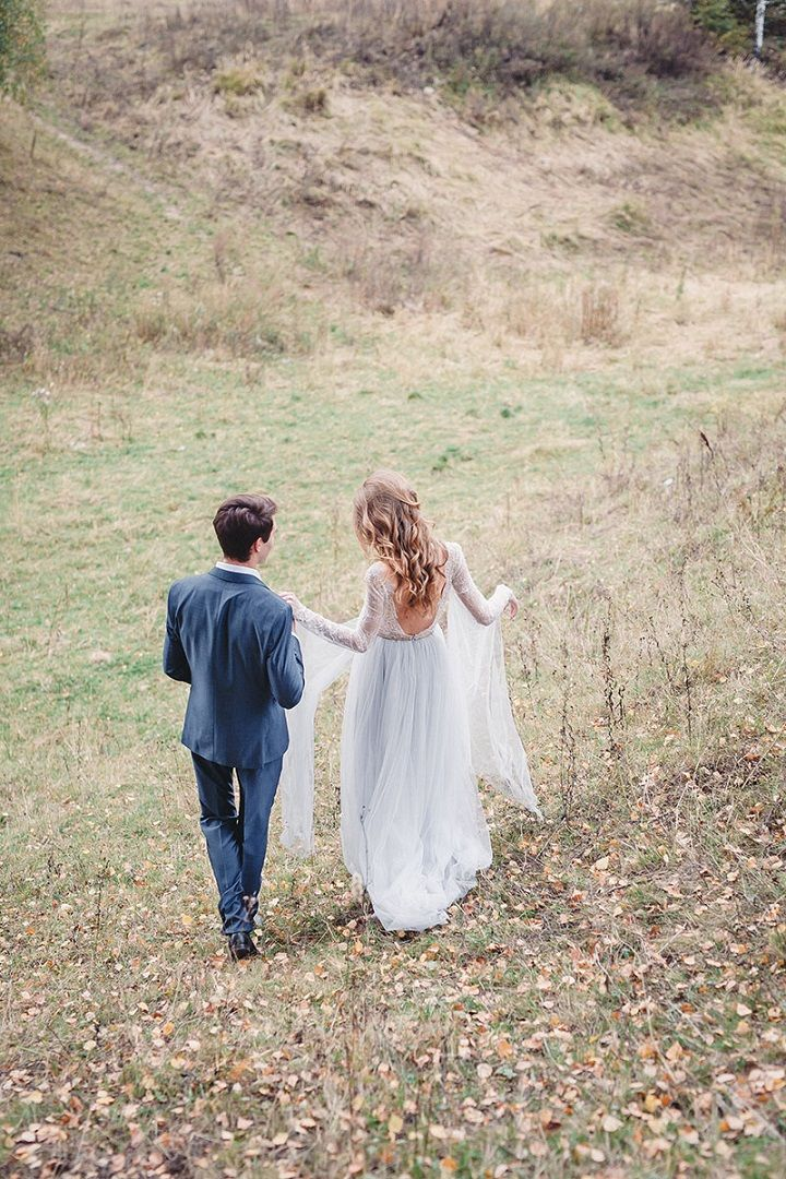 Bride and groom autumn wedding ideas | fabmood.com #wedding #autumnwedding #fallwedding #groom