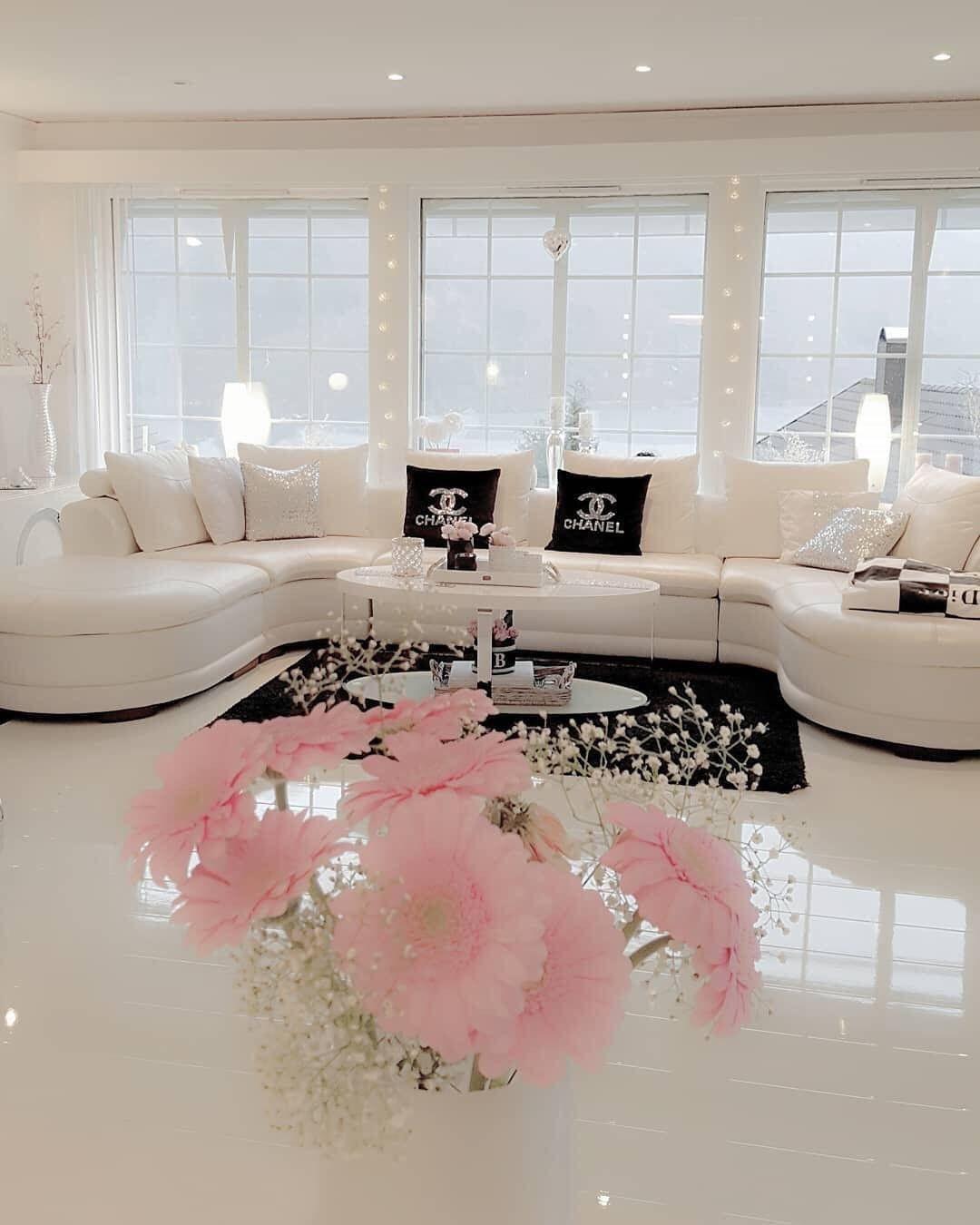 Weißes Chanel Wohnzimmer  Wohnung dekoration, Wohnzimmer