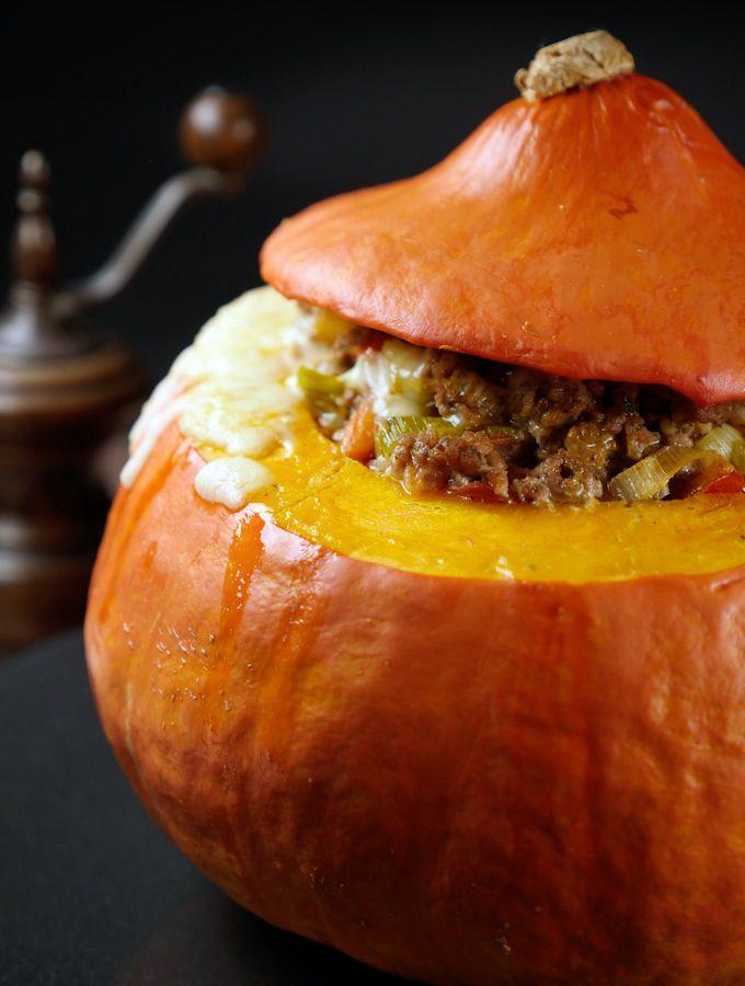 Herbst-Rezept: Gefüllter Kürbis mit Hackfleisch und Lauch #halloweenrezepte