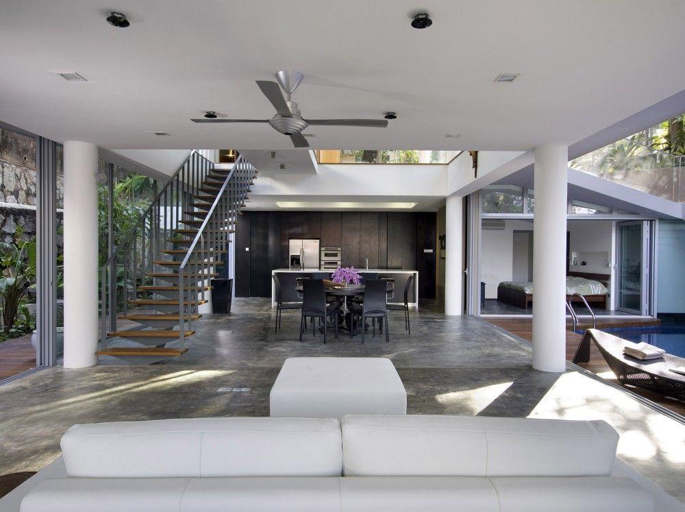 OOI House / Czarl Architects