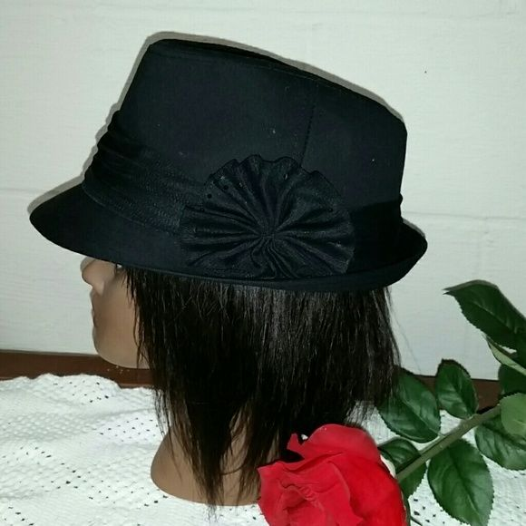 Black Hat with Black Net Trim Hat is OS and has net trim around the brim. Made of 100% cotton. Accessories Hats