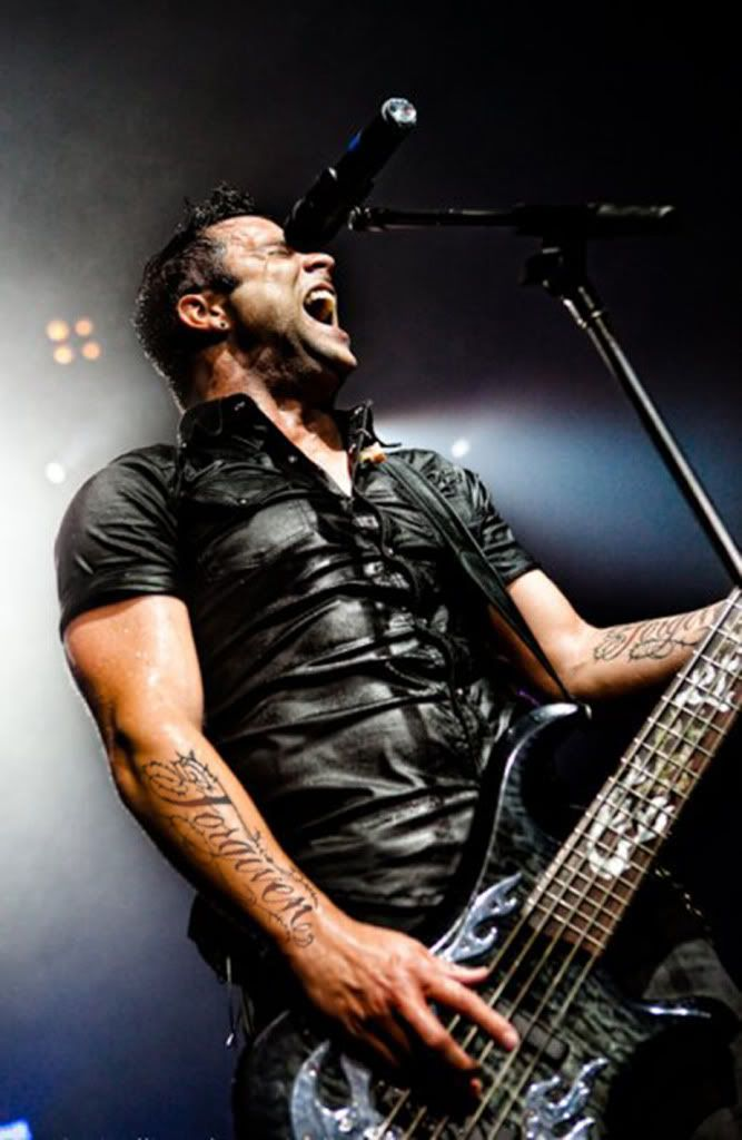 John Cooper - Lead Singer for Skillet the BEST band ever ...