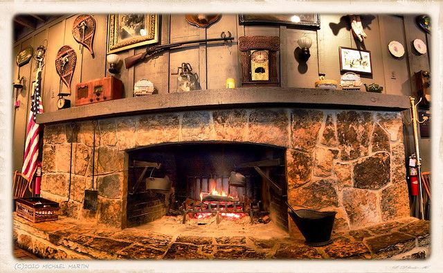 Cracker Barrel Fireplace Cracker Barrel Barrel Decor Stone Fireplace Pictures