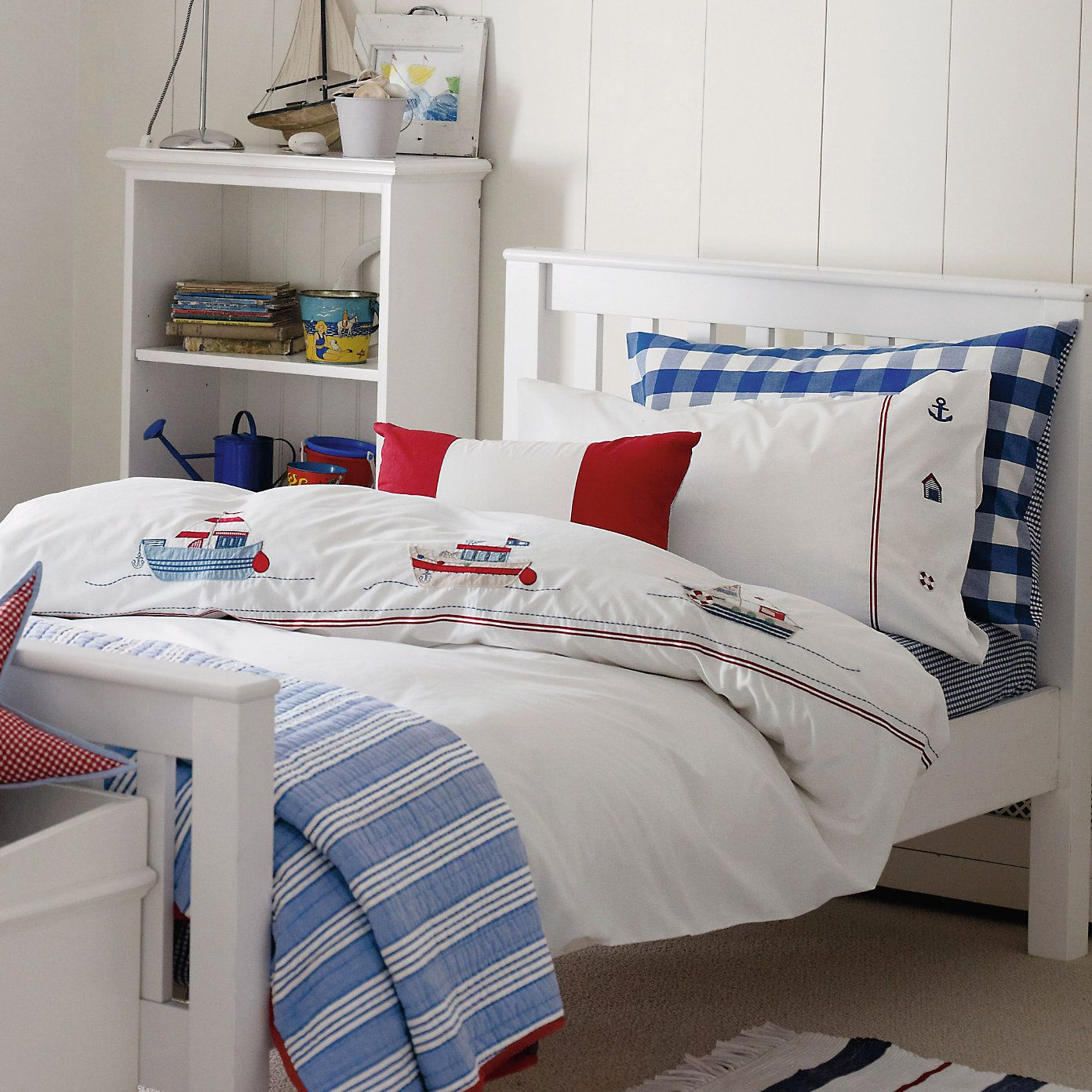 Like The Mixed Prints Childrens Bedrooms Boys Childrens Bedrooms Bedroom Furnishings